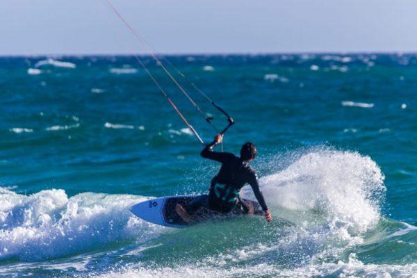 Kite Surfboard Là gì? Nó Phù Hợp Với Những Ai?