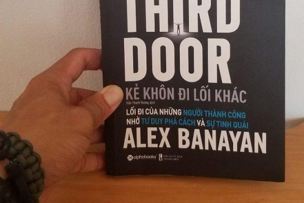Hài Hước, Cảm Động và Tràng đầy cảm hứng – Sách The Third Door của Alex Banayan.